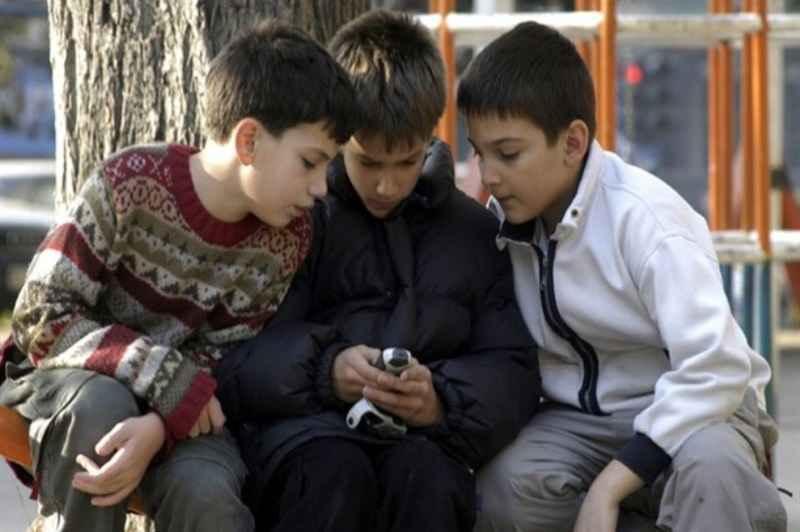 بهره وری بهینه کودک از فضای سایبری با آموزش سواد رسانه ای