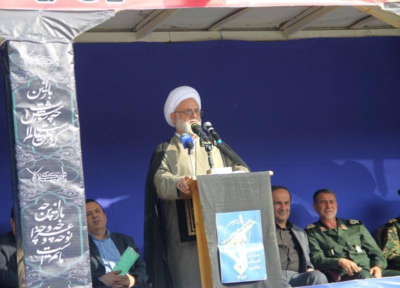 ایران اسلامی با تاسی از سیدالشهدا زیر بار ظلم اجانب نمی رود