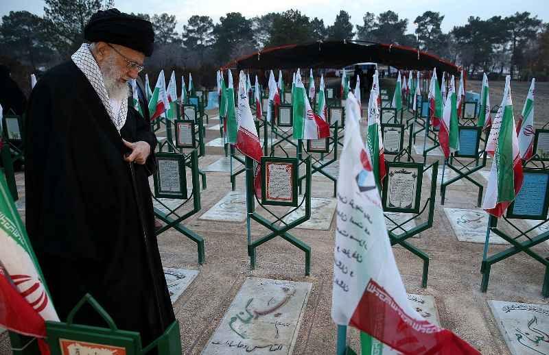 رهبر انقلاب:میدان مجاهدت در عرصههای گوناگون همچنان گشوده است