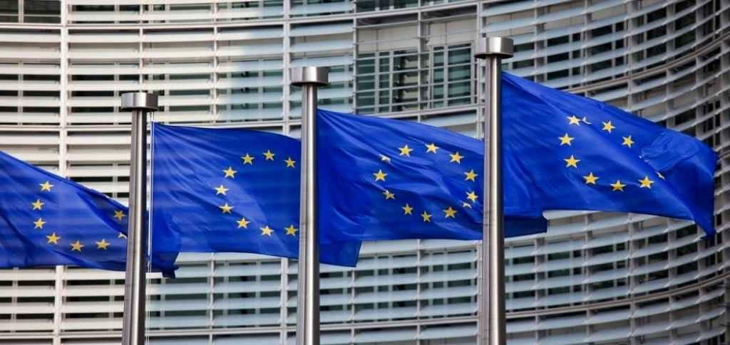 اتحادیه اروپا از تصمیم سوئیفت علیه ایران اظهار تأسف کرد