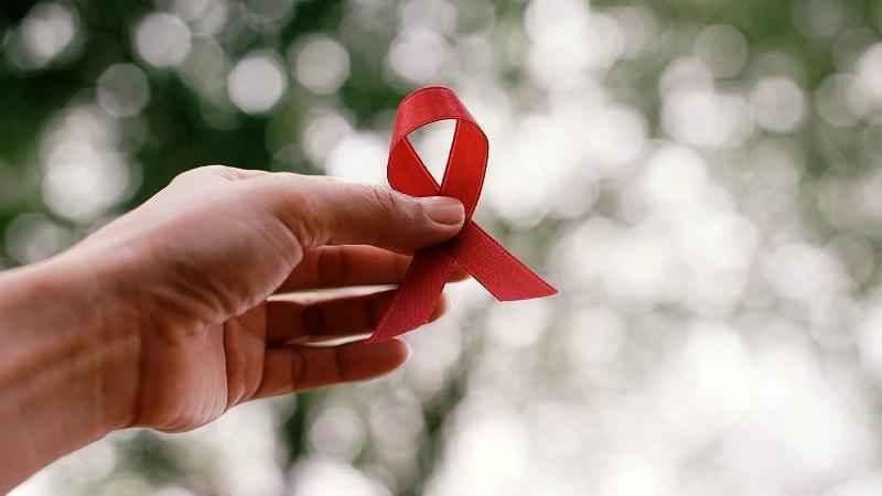 ایدز هیولا نیست، بیماری است